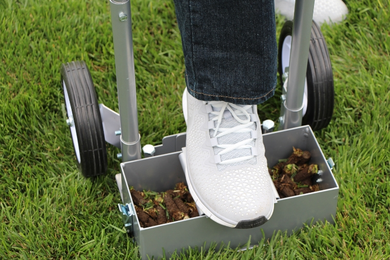 Step N Tilt Lawn Aerator 2 With Soil Core Container & Sod Plugger
