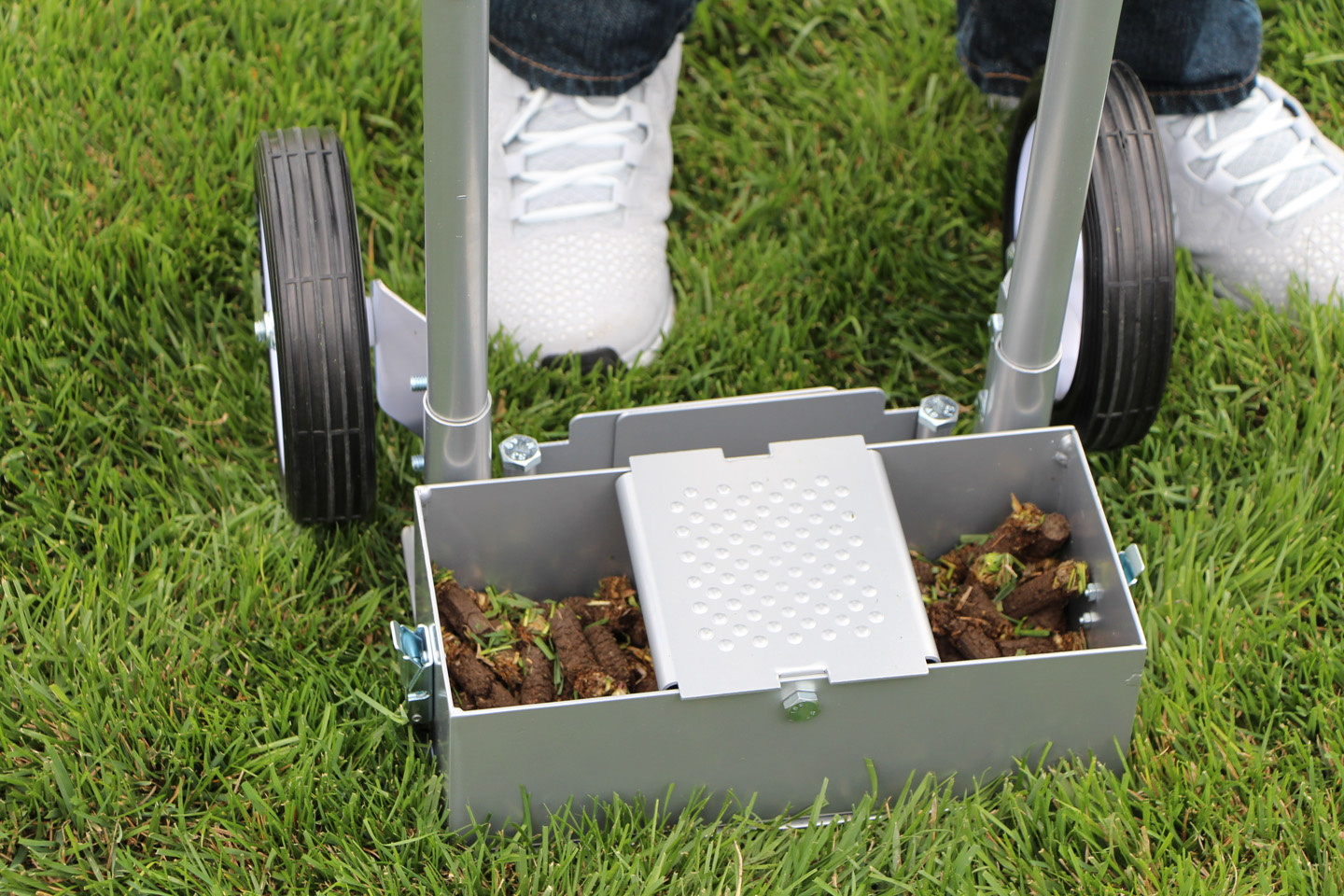 ez core manual lawn aerator